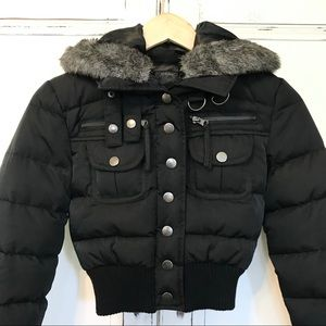 LIKE NEW. GUESS sassy cropped black puffer